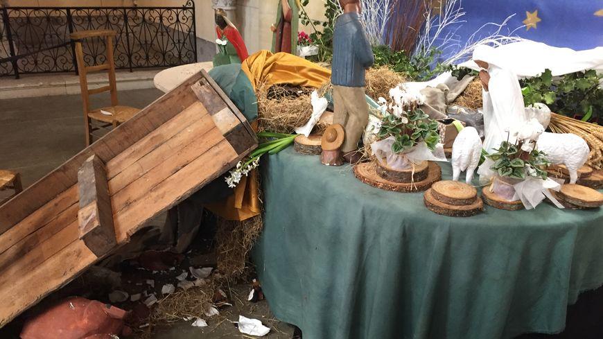 La crèche de l'église Saint-André à Mont Saint-Aignan avait été saccagée au cours du week-end.