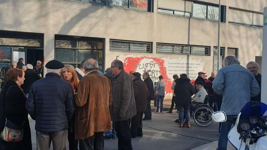 Plusieurs dizaines de personnes sont venues assister aux vœux du Parti communiste, place du 8 mai à Périgueux