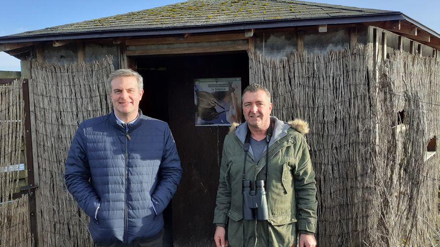 Gilles Devalicourt, directeur adjoint de la fédération des chasseurs du Calvados, et Tony Robin, technicien