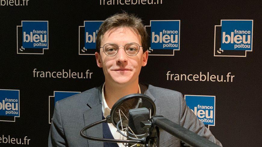 Sacha Houlié est député de la deuxième circonscription de la Vienne sous l'étiquette de La République en Marche.