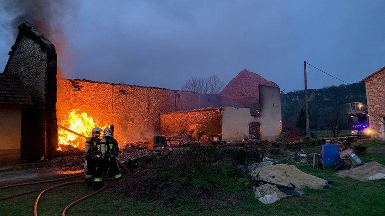 L'incendie a débuté vers six heures trente, mardi 28 janvier au matin