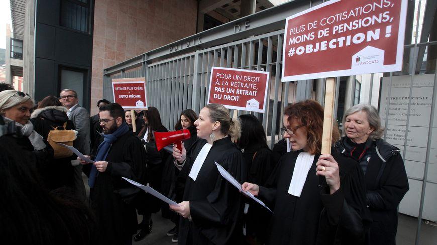 Les avocats en grève contre la réforme des retraites, ici à Nice