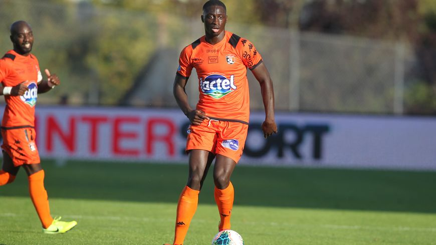 Le défenseur Adon Gomis s'est blessé à Bastia mi-décembre.