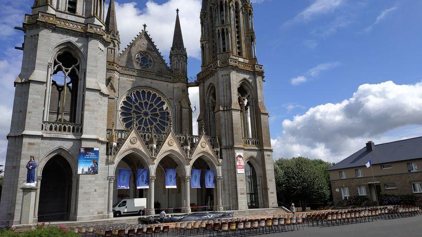 La basilique de Pontmain dans le Nord Mayenne