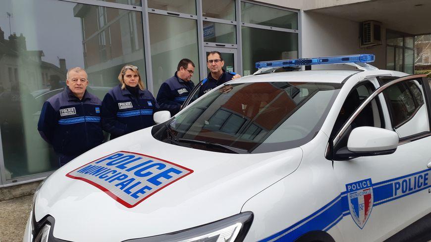 Les policiers municipaux de Louviers on reçu en dotation un nouveau véhicule, un Renault Kadjar, un investissement de 24600 euros
