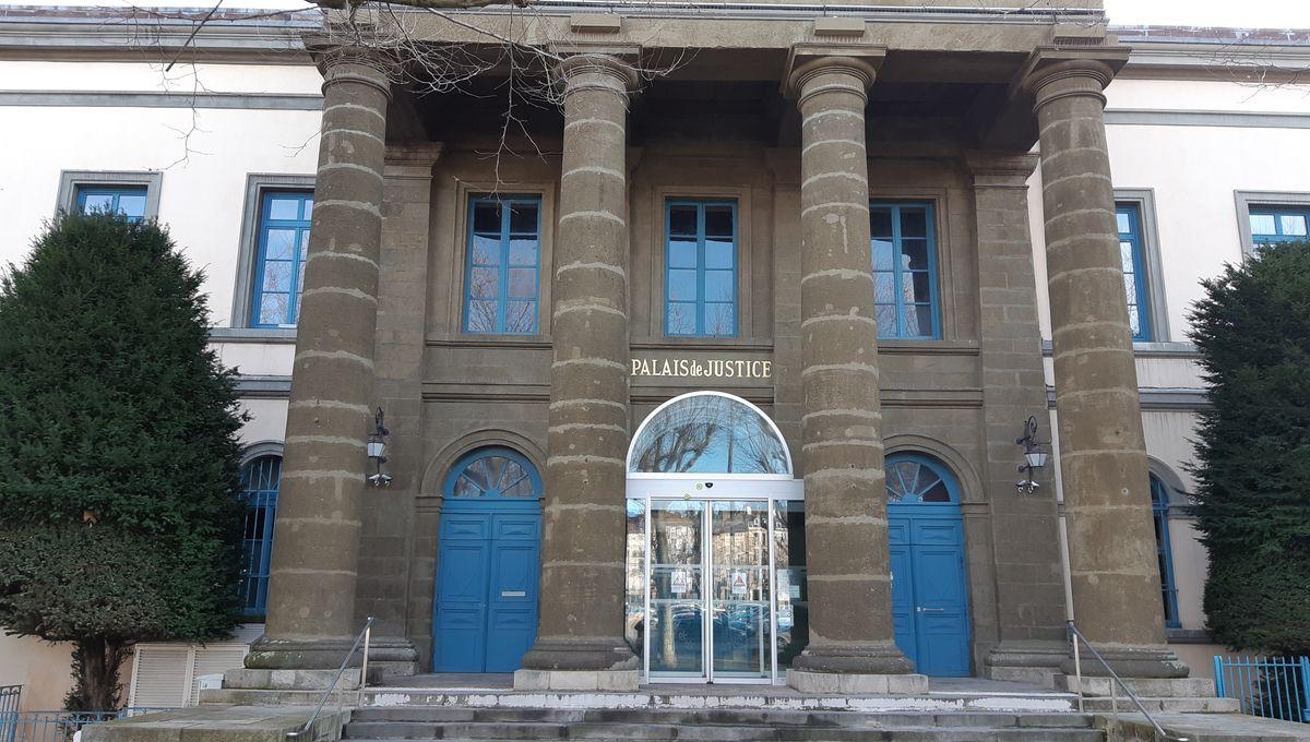 Le Puy-en-Velay : le procès des incendiaires présumés de la préfecture de Haute-Loire reporté au 9 mars 2020
