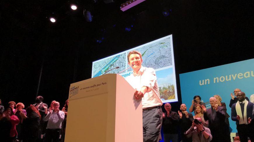 Benjamin Griveaux, la tête de file LREM en meeting de campagne en vue des municipales à Paris ce 28 janvier. Le candidat du parti présidentiel est aujourd'hui troisième dans les sondages.