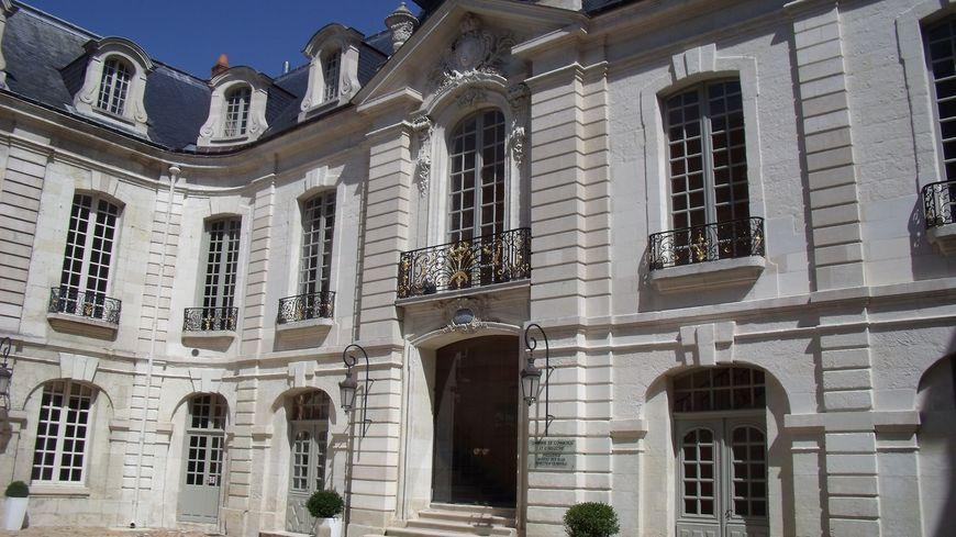 Cour intérieure du Palais du Commerce - Tours - Siége du Consulat avant la Révolution