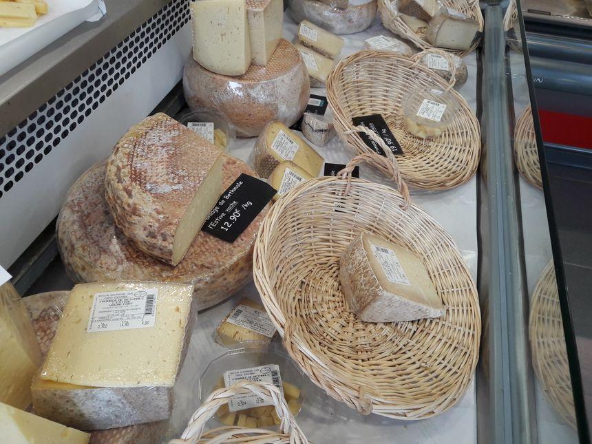 Dans la boutique du Moulin Gourmand à Engomer en Ariège