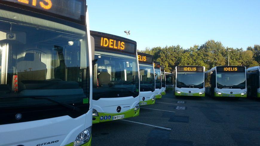 Le dépôt des bus Idélis bloqué à Pau par des manifestants opposés à la réforme des retraites