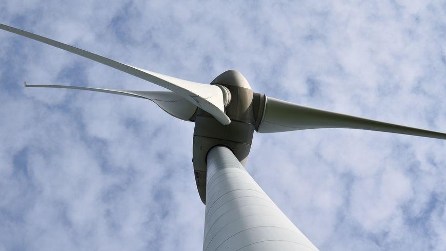 L'énergie éolienne progresse lentement dans le département, le sort de nombreux projets est encore entre les mains de la justice (illustration).