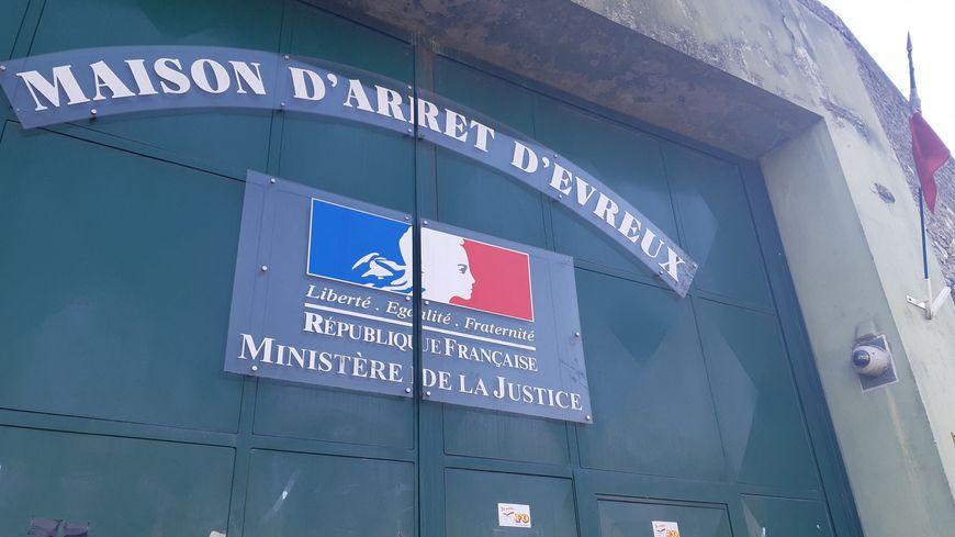 En près de cinq heures, Étienne Noël a visité quarante cellules de la maison d'arrêt d'Évreux