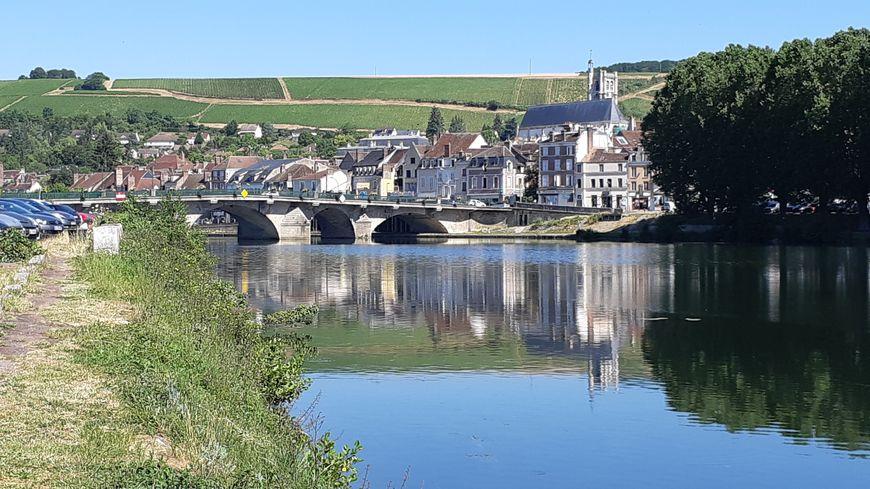 """La ville de Joigny dans l'Yonne a été retenue pour accueillir des agents """"délocalisés"""" de la direction des finances publiques."""