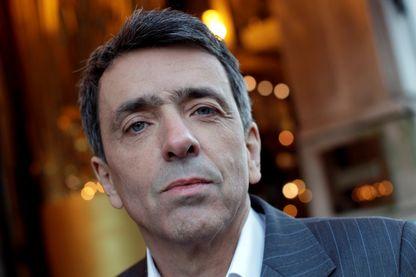 """Régis Jauffret vient de sortir son dernier livre """"Papa"""" chez Seuil"""