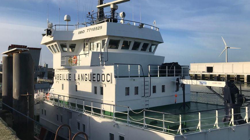 Le navire remorqueur L'Abeille-Languedoc à Boulogne-sur-Mer (Pas-de-Calais)