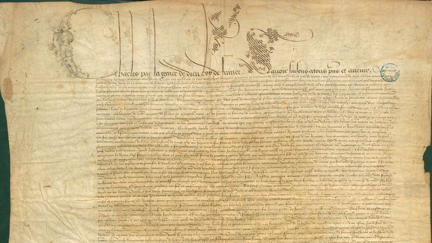 - Exemption par Charles VIII des habitants de la ville de Tours de différentes taxes et impositions en souvenir de son enfance passée dans la région et des différents accueils solennels donnés par la ville. Lettres patentes. Février 1493.