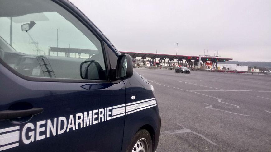 L'accident a eu lieu alors que le poids-lourd s'était arrêté au péage de Salies-de-Béarn (image d'illustration).