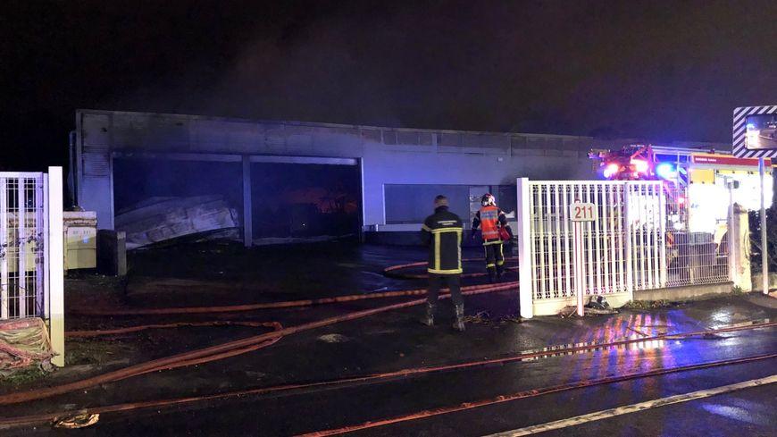 Le bâtiment a été ravagé par les flammes