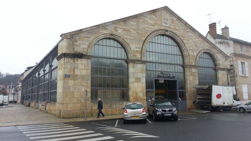 La halle aux marchés  de St-Amand-Montrond (Cher)