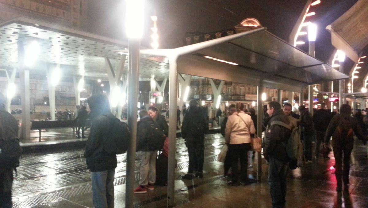 3 dépots de bus et de tramways de l'agglomération bordelaise bloqués par des manifestants