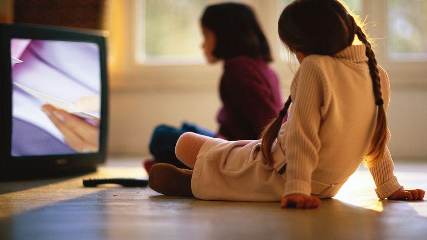 Les écrans sont fortement déconseillés aux enfants de moins de trois ans