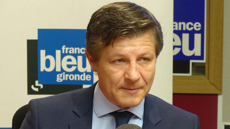 Le maire de Bordeaux Nicolas Florian réagit à la détection d'un cas de coronavirus, le premier en France.