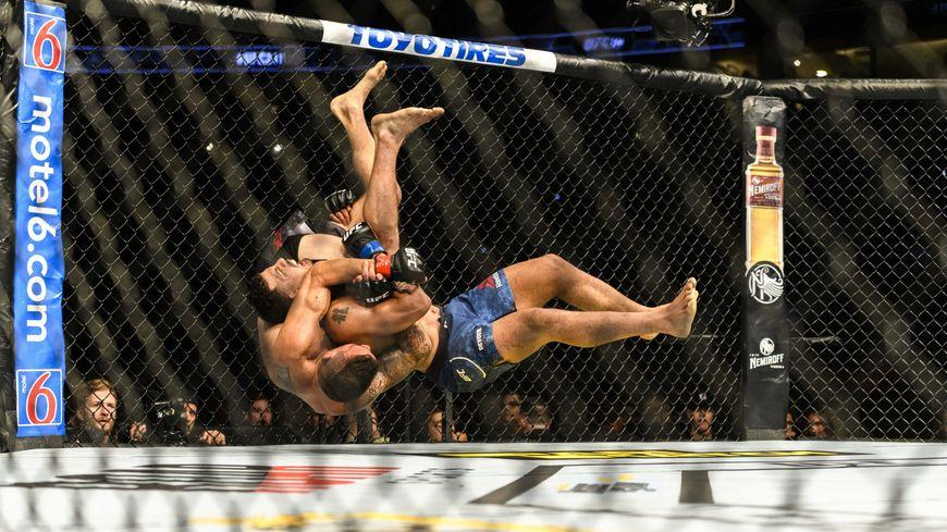 Entre 30.000 et 50.000 personnes pratiqueraient le MMA en France malgré l'interdiction de cet art martial.