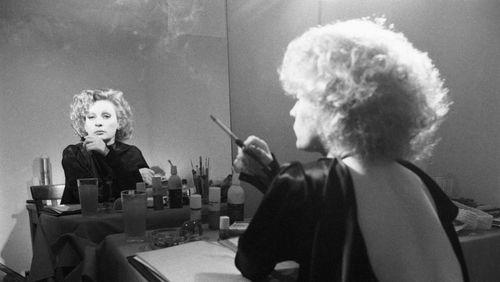"""Épisode 10 : Jean-Jacques Schuhl sur Ingrid Caven : """"Enfant c'était les chants religieux, à 15 ans elle écoutait Callas, Presley, Piaf, puis Brecht, on retrouve tout ça dans son tour de chant"""""""