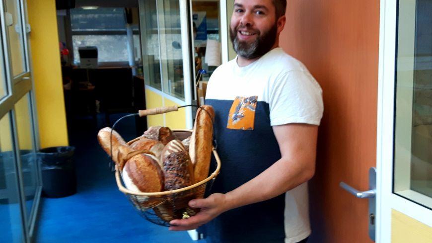 Guillaume Auger et une moisson de ses bons pains