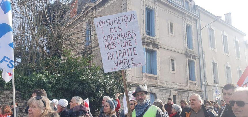 La manifestation contre la réforme des retraites ne faiblit pas