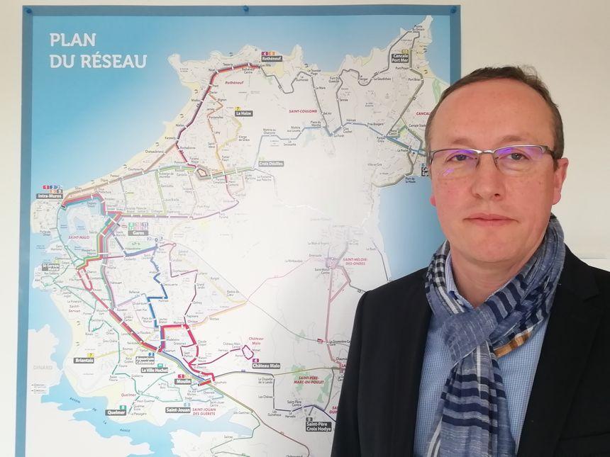 Jérôme Lavenier, le directeur du réseau MAT, promet des modifications sur les lignes de bus pour pallier certains problèmes, comme les retards ou les bus bondés.