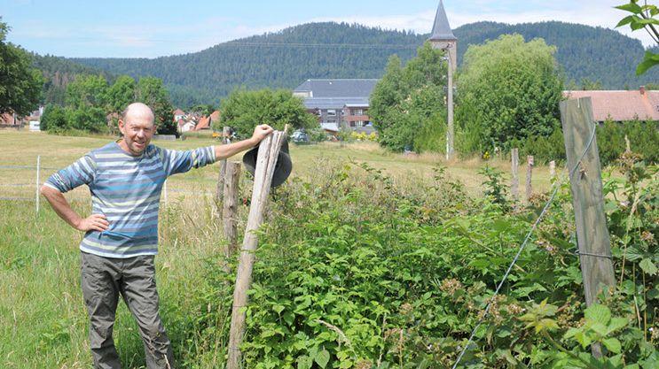 Jean Vogel, maire de Saales et producteur de petits fruits rouges