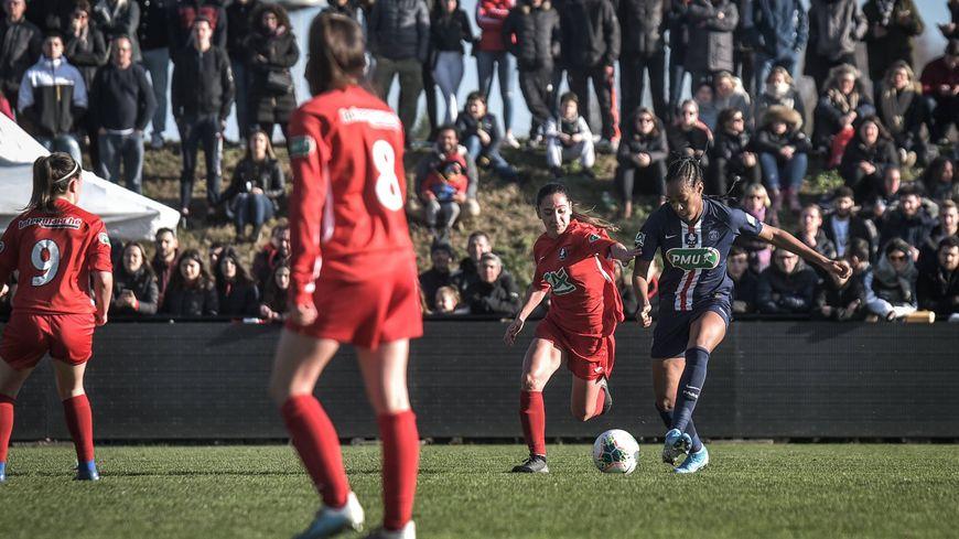 Le nouveau stade des Pyrénées avait fait le plein pour ce 16e de finale de Coupe de France féminine.