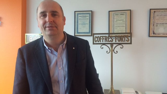 César Dubus, courtier chez Bourse Direct à Lille conseille de miser sur du long-terme sur les marchés financiers pour éviter de grosses pertes.