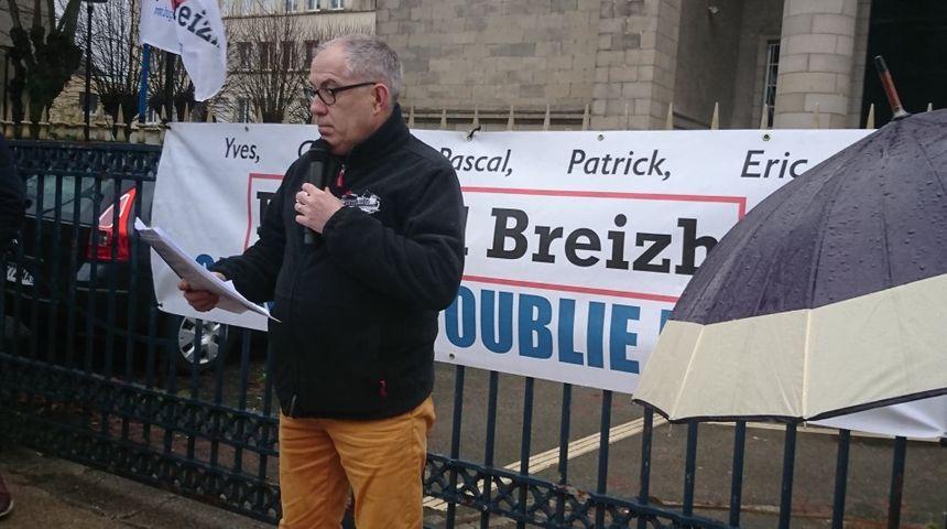 Un discours a été prononcé devant le Palais de justice de Quimper