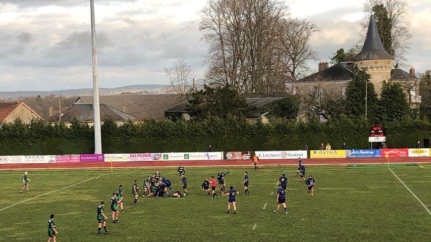 Les Guérétois marquent six essais et l'emportent 41 à 28 contre Issoudun