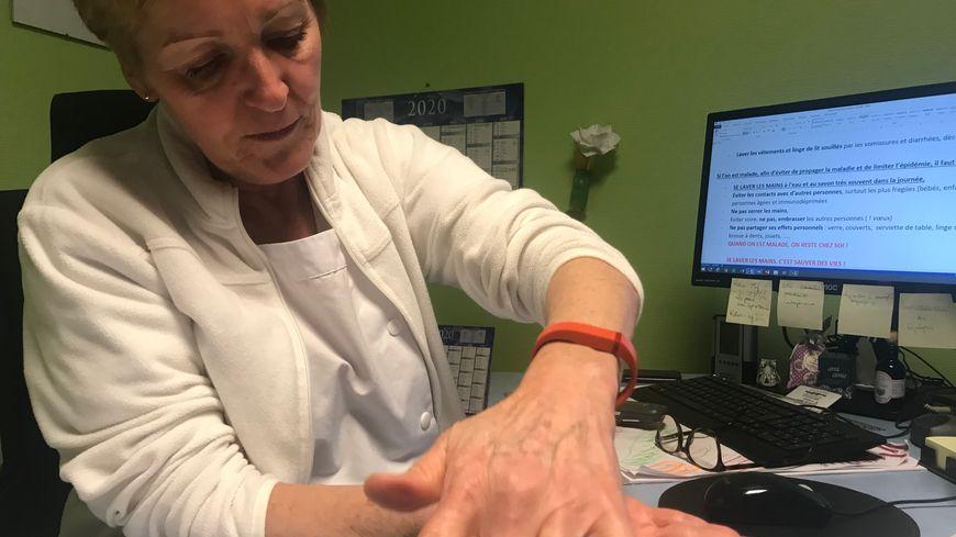 Règle numéro un : bien se laver les mains pour Agnès Joannis hygiéniste à l'hôpital d'Auxerre