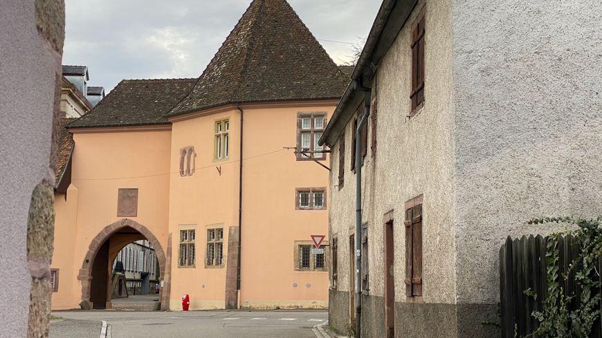 Issenheim, l'entrée du couvent