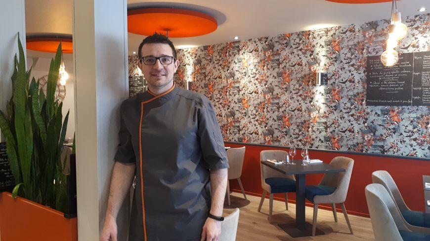 Richard Bernigaud, le chef du restaurant L'Essentiel à Dijon, dans sa salle rue Audra.