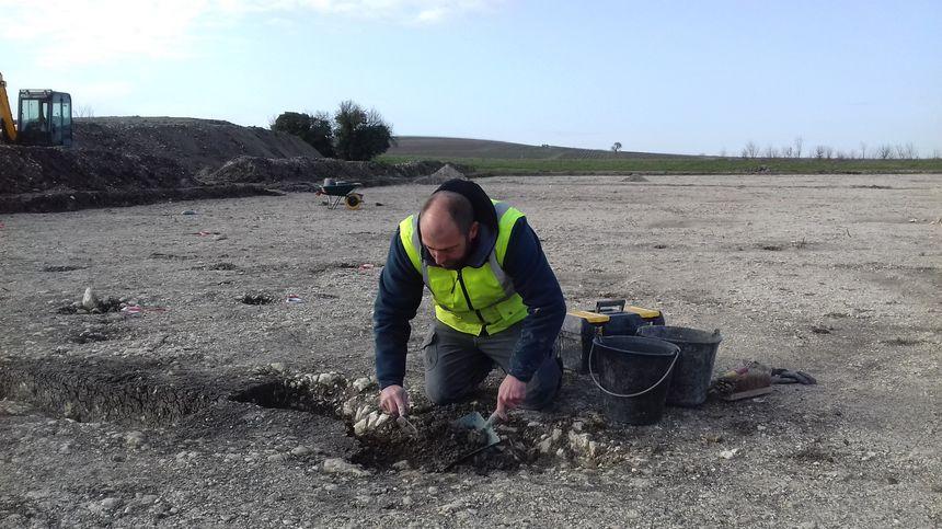 L'un des archéologues au travail, Florent Ruzzu