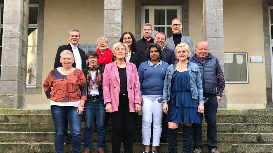 """Anne Harel (au centre) mènera la liste """"Coutances à cœur""""' pour les municipales 2020."""