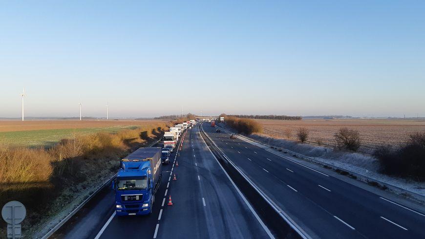 L'autoroute A10 fermée le 21 janvier plusieurs heures au nord d'Orléans après un accident, des centaines d'automobilistes bloqués