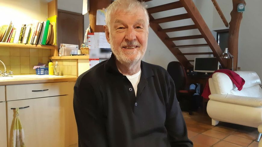 Roger Moore, 73 ans, conseiller municipal à Montmaur-en-Diois (Drôme)