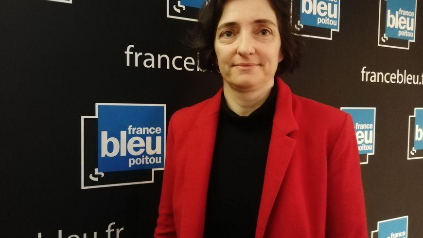 Sophie Guerraz, directrice des ressources humaines du CHU de Poitiers, invitée de France Bleu Poitou ce mardi matin.