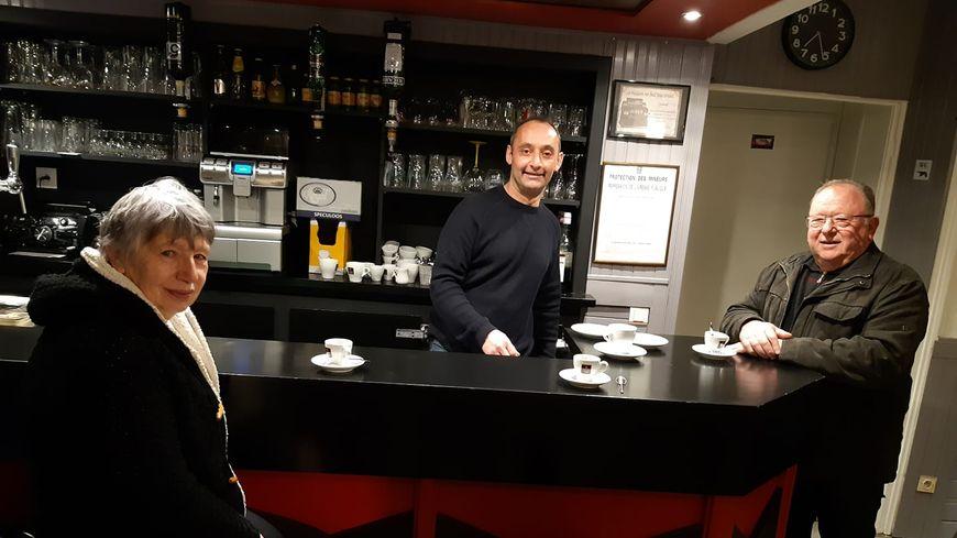 Le bar St Eloi à Port Brillet
