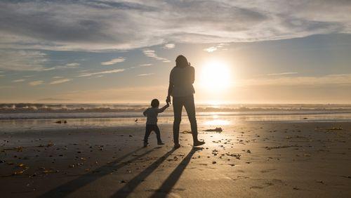 Un quart des enfants vivent avec un seul parent : qui sont les familles monoparentales ?