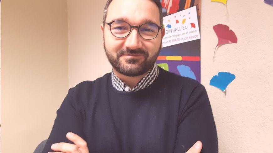 Damien Perrard, militant socialiste depuis 2004, est l'un des 5 candidats à la mairie de Bourgoin-Jallieu.