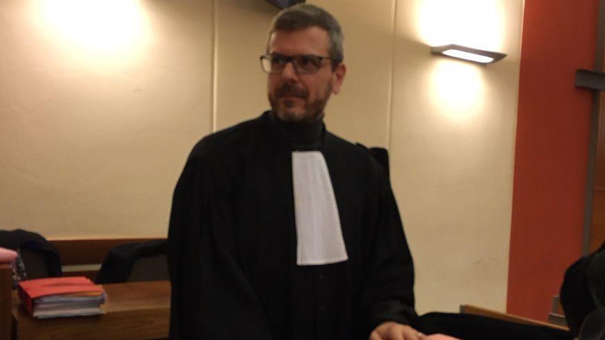Thibault de Montbrial l'avocat des quatre militaires a demandé a la cour de retenir la qualification de tentative d'homicide