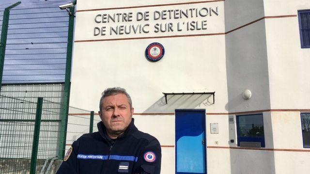 À l'appel de Force Ouvrière et de son représentant Thierry Dumonteil, les surveillants du centre de détention de Neuvic s'apprêtent à débrayer après l'agression de deux agents par un détenu, ce mardi 14 janvier