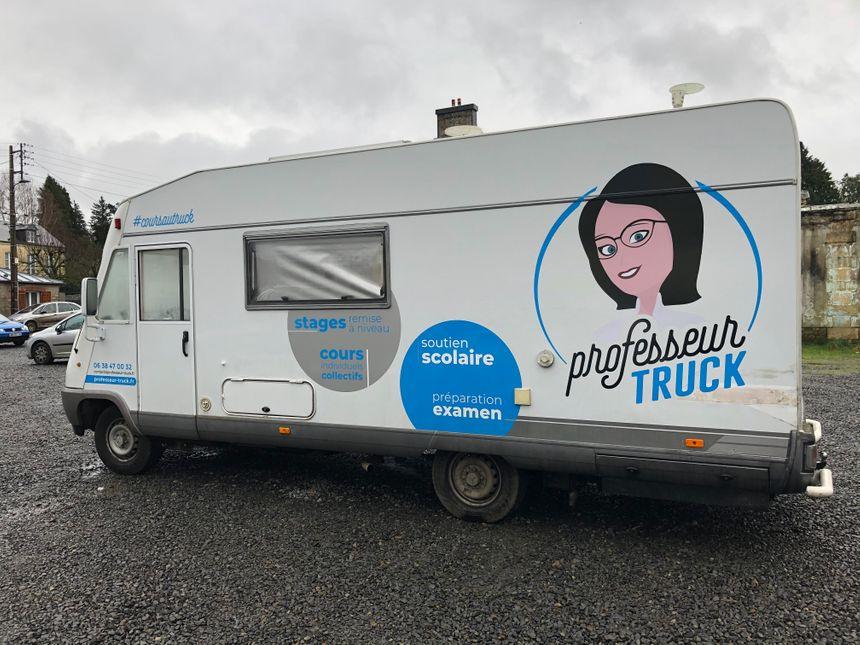 Le Professeur Truck se déplace à Vire, Saint-Lô et Flers, pour proposer du soutien scolaire aux élèves.
